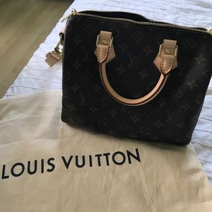 Louis Vuitton Speedy 25, with Straps *BRAND NEW*